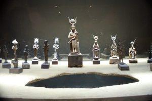 Imhotep Müzesi'nden Tanrıça Hathor Heykelleri