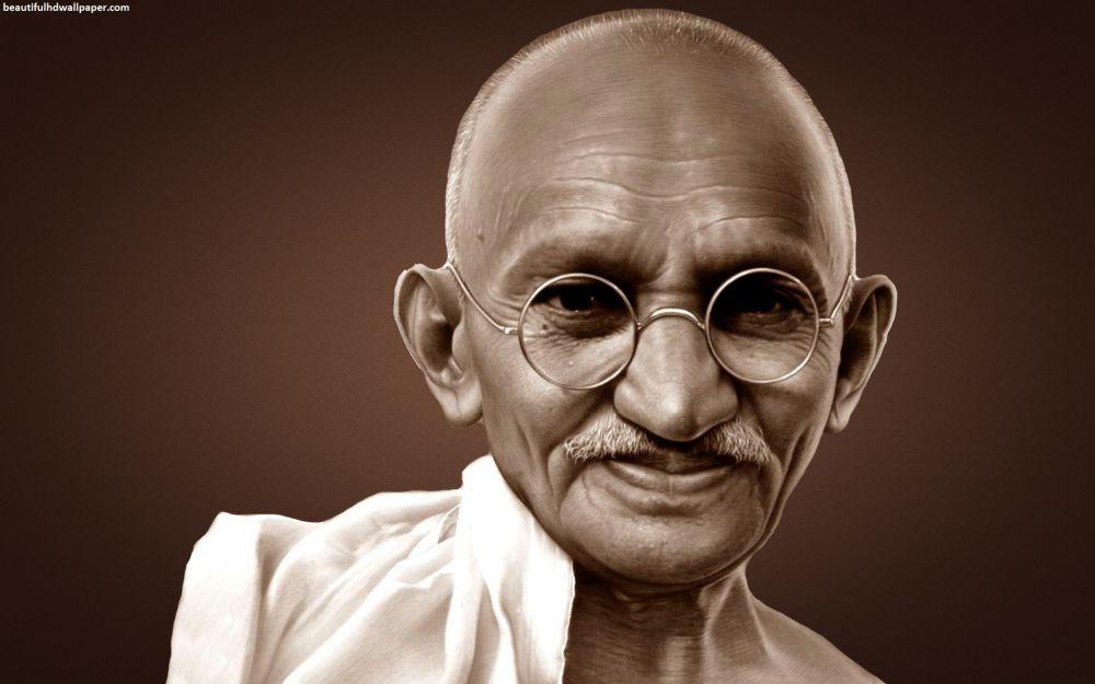 """""""Mahatma"""" Gandi Üzerine"""