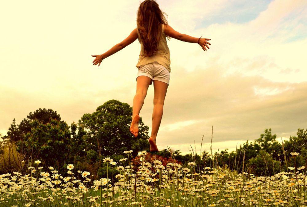 Hadi Şimdi Kollarını Açsana! Aşkla…