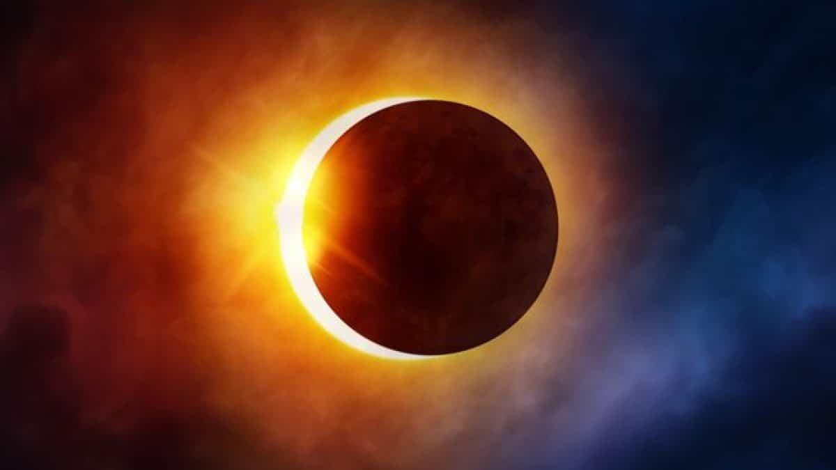 Güneş Tutulması – Beni Kurtarır Mısın?