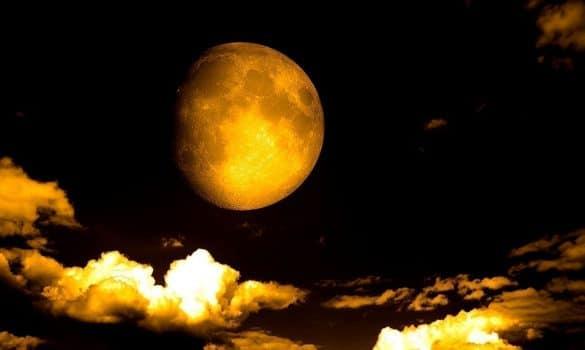 Oğlak Burcunda Ay Tutulması